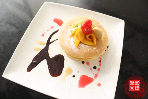 Pancake Drama: Classic pancakes with fruit and served with mapple butter. PhP116.00