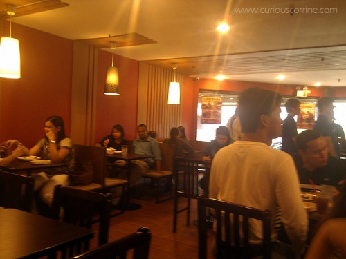Makati yuppies taking over the restaurant!